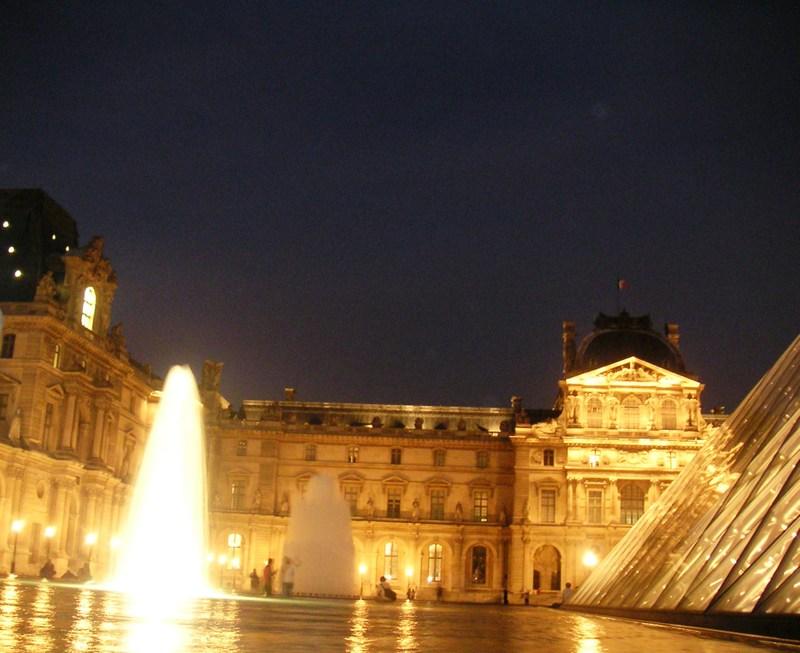 Night_courtyard