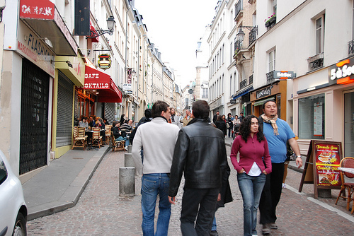 walk with locals in Paris along Rue Mouffetard