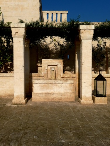 fountain at borgo egnazia