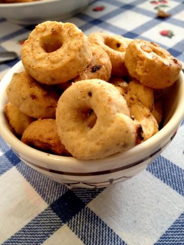 Puglia taralli wine biscuit