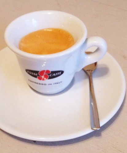 Philips Saeco Espresso shot in essse caffe cup