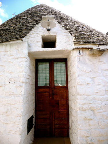 door of trulli in alberobello